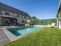 Betonnen zwembad versus monoblok zwembad